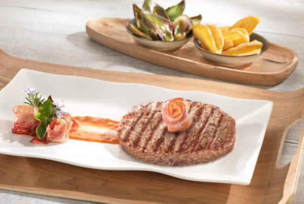 Hamburger con bacon piatto fiorani e c. lavorazione carni