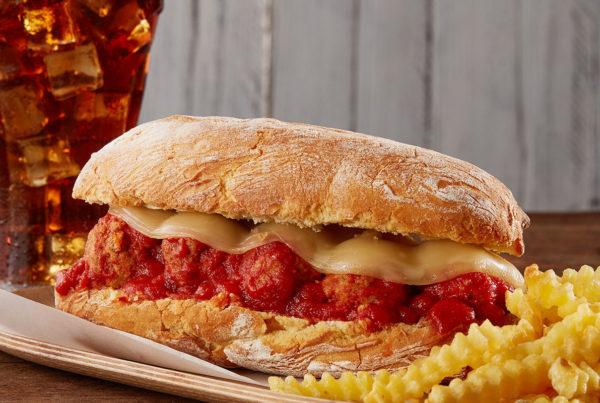Ricetta panino con polpette al sugo e formaggio filante